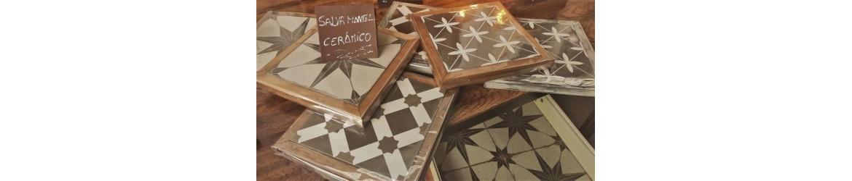 Salvamanteles de madera y cerámica